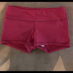Fleo booty shorts